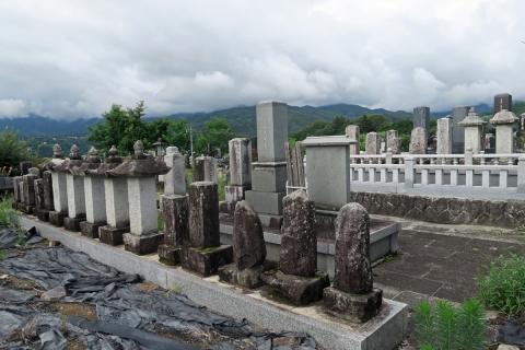 04阿智村の墓地