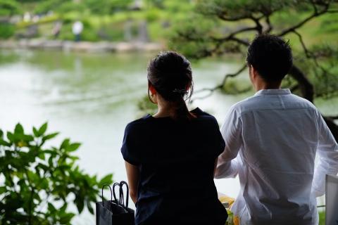 03清澄庭園若いカップル