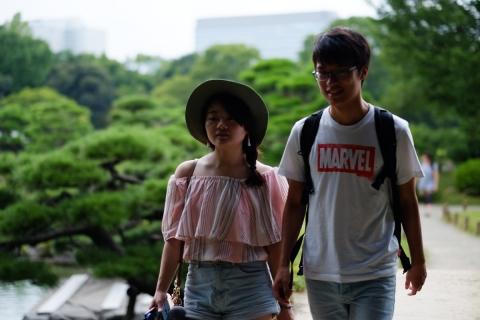 05清澄庭園若いカップル