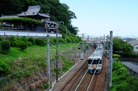 33寺と電車