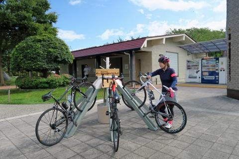 04道の駅朝霧高原自転車ラック