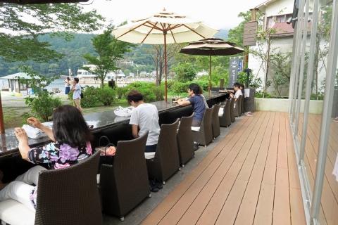 19芦ノ湖畔湖尻のパン屋