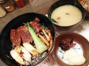 16 9 25sukiyaki700jpg (2)