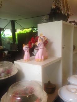 ピンクのタイ猫