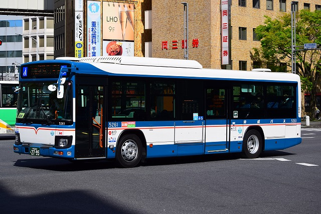 kl hu2pmee 京成バス 5261