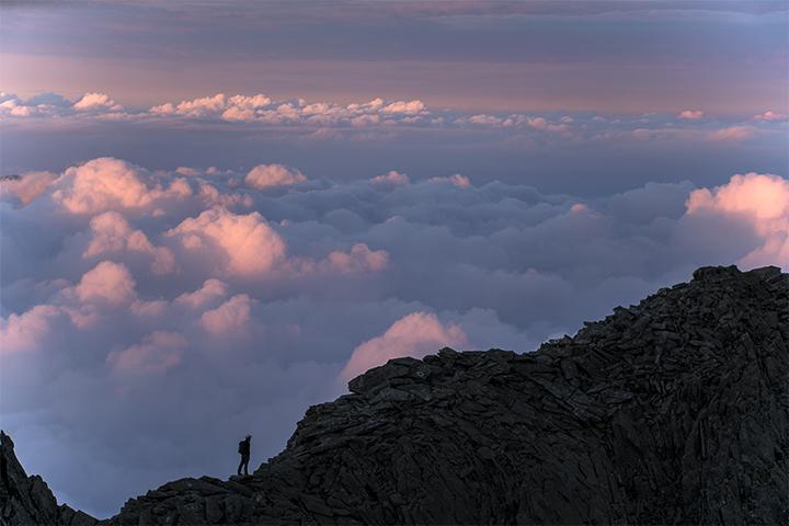 ぼちぼちいこか - 雲表の稜線