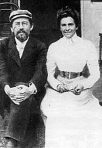200px-Anton_Chekhov_and_Olga_Knipper,_1901