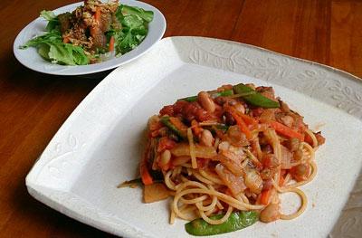 たっぷり野菜と色々豆のスパゲッティ