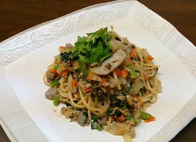根菜と挽き肉のスパゲッティ