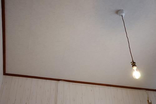 天井に壁紙貼りDIY