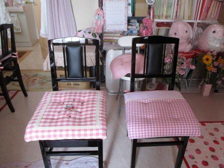 ピアノ椅子・2脚