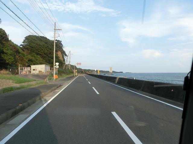 夏の終わりの橋杭岩 006