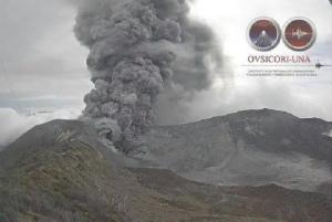 コスタリカのトゥリアルバ火山eruption-may-2016-696x466
