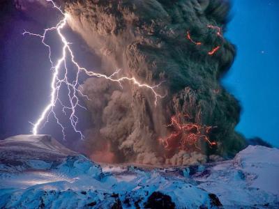 13124503_18076アイスランド、エイヤフィヤトラヨークトル火山