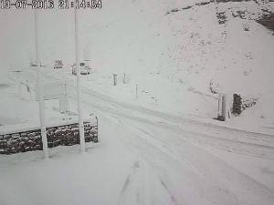 13700158_18382イタリア、リヴィーニョ(標高2208メートル)で雪