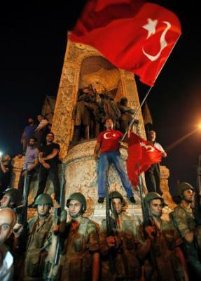 eutersmediaトルコ軍人1563人拘束