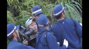 CoBu4H-VYAANJyuQAB琉球朝日放送のカメラマンを排除