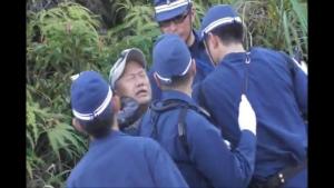 CoBuzHKUkAAxQvYQAB琉球朝日放送のカメラマンを排除