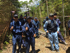 CqyjComVMAEHjデモ活動を警察が撮影する行為