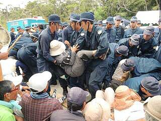 Cs9PqPHVYAApPbP【高江】21日(水)のゲート前抗議行動の画像