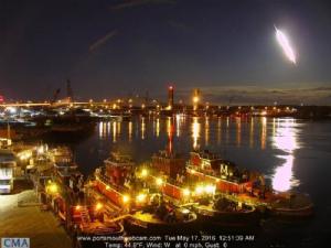 fireball-portland-maine-may-17-2016-1-696x522.jpg