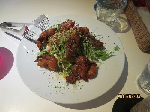 鶏皮フリッターサラダ