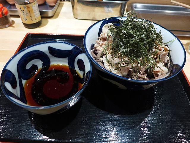 蕎麦とラー油で幸なった。@01肉そば(冷)中 1