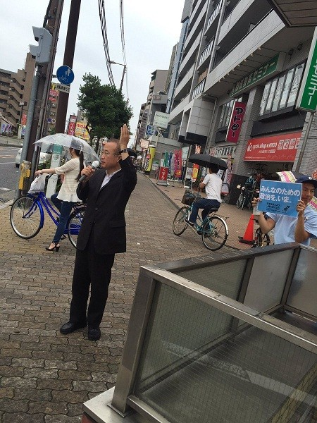 これは切ない(´・ω・`) 有田ヨシフ先生の街宣、周りの無視っぷりが残酷すぎるwwwwwwwwww