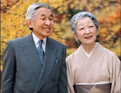 周りじゅう外国人だらけになったときに、その外国人が日本の伝統文化、こういったものに敬意を表しますか?