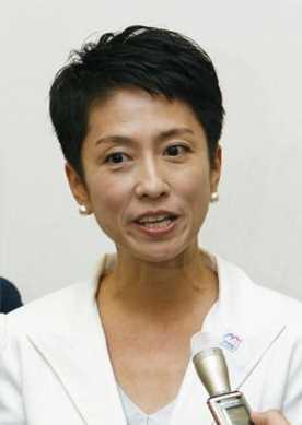国籍問題について質問に答える民進党の蓮舫代表代行=13日午前、国会