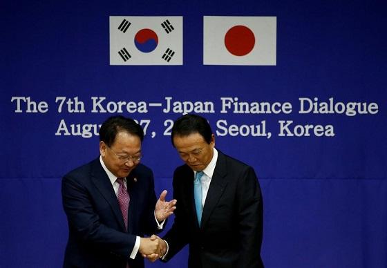 8月末の日韓財務対話で日韓通貨スワップの議論再開で合意した(ロイター