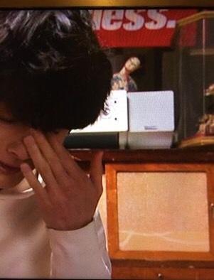 【画像】フジテレビ月9ドラマ『いつ恋』の小道具(首の折れ曲がった日本人形)が怖すぎると話題に