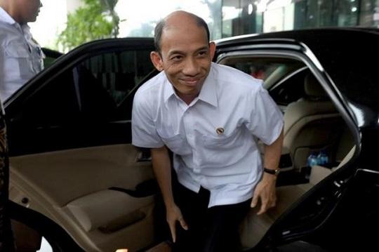 8月15日、インドネシアのプラティクノ国家官房長官は、ジョコ大統領がタハル・エネルギー鉱物資源相(写真)を解任したと発表した。8日撮影(2016年 ロイター ANTARA FOTO)