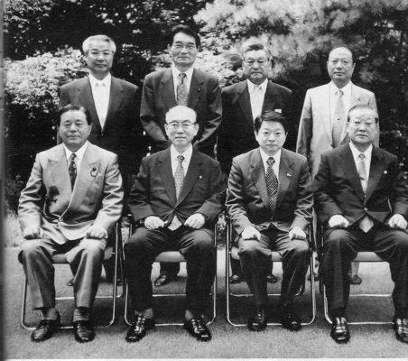 片山善博と朝鮮総連の連中との記念撮影