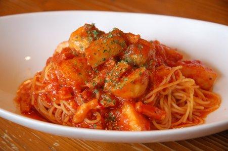 ベーコンと新じゃがのトマトパスタ