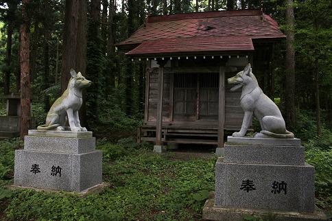 三峯神社北西より
