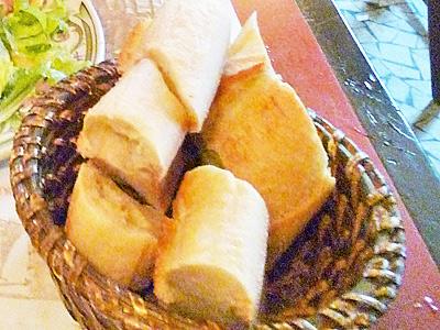 パンは山盛り