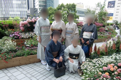 JR庭園和服7 (400x266)