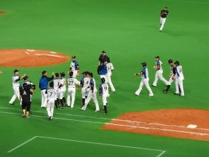 喜びに包まれた札幌ドーム。