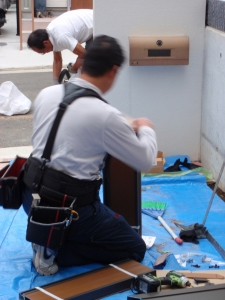 ウッドデッキ工事(人工木 樹ら楽ステージ) :エクステリア横浜(神奈川県・東京都の外構工事専門店)