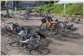 160417E 005自転車置き場32