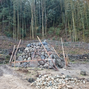 石のピラミット0319 (3)