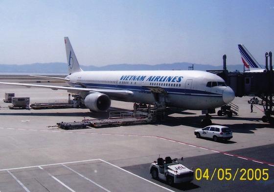 050405関空ベトナム航空