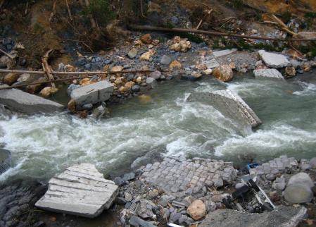 水害20120726134406fd2s