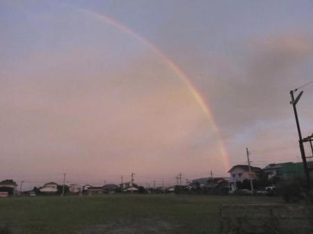 朝の虹 008