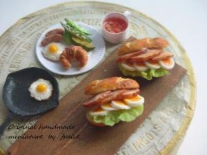 チキンとゆで卵のサンド1