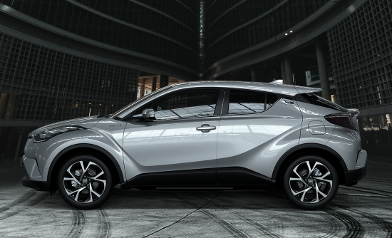 TOYOTA_C-HR_02-20160628091031.png