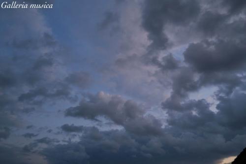 朝焼けの空の色1