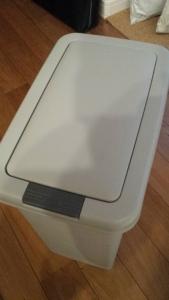 ゴミ箱の臭いを重曹で取る方法 (8)