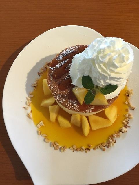 カフェ アンリヴァージュ 完熟マンゴースフレケーキ2